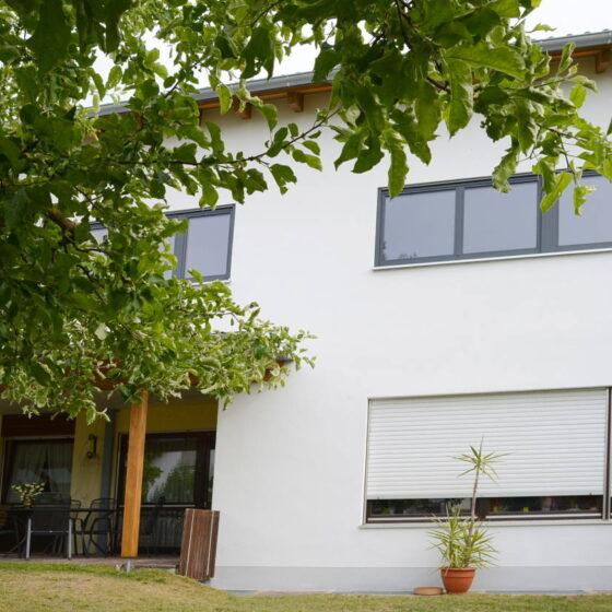 Aufgestockter Bungalow realisiert durch die Zimmerei Steinberger. Zimmerei in Ingolstadt, Regensburg und München