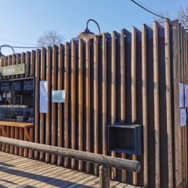 Verkaufsstand im Biergarten am Tegernsee, entworfen von Karl Rauffer GmbH